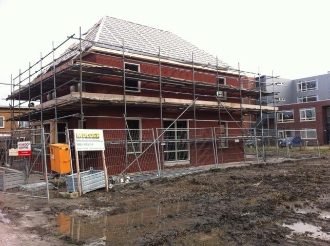 Nieuwbouw woning Appingedam, deel dak geplaatst
