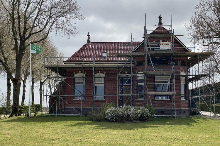 Renovatie van het dak (woondeel) boerderij Nieuwolda