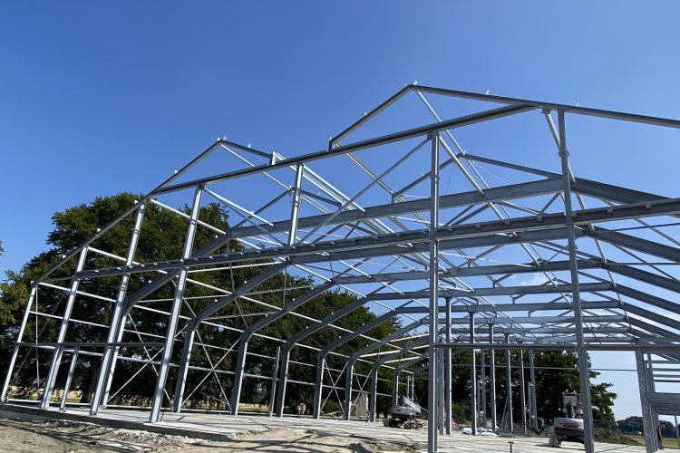 Sloop/nieuwbouw boerderij Nieuwolda ventilatievloer t.b.v. uien en staalconstructie